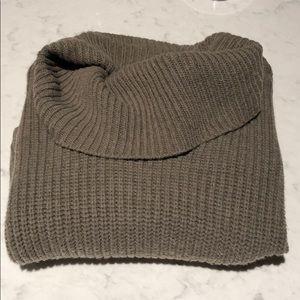 Express Cropped Turtleneck/Cowlneck Sweater